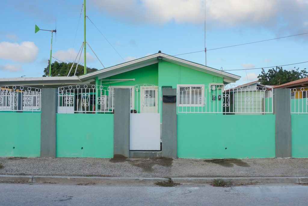 smiley+real+estate+aruba+house+for+sale+6411454+ariane+frans+family+home