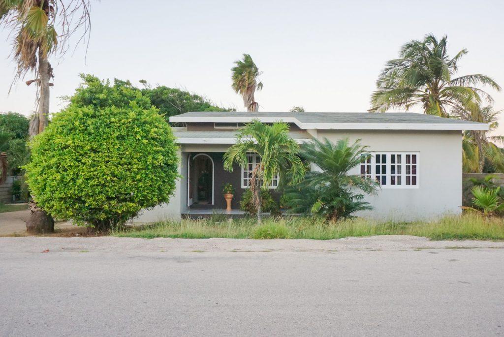 Smiley+Real+Estate+Aruba+House+For+Sale+6411454+Ariane+Frans+Family+Home+xxx